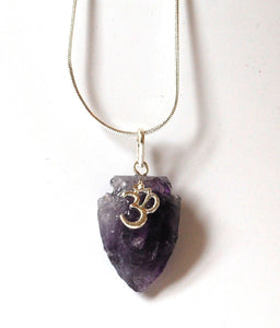 "Amethyst ""OM"" Crystal Stone Arrowhead Pendant Necklace Inc Silver Plated Snake Chain"
