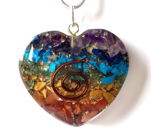 Chakra Orgone Natural Crystal Stone Chips Rainbow Heart Pendant & Silver Chain Necklace