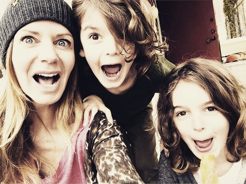 Lisa Furuland with Children