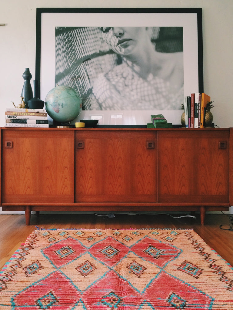 [SOLD] KNOW WHAT I MEAN, PEACHES AND CREAM? vintage berber carpet