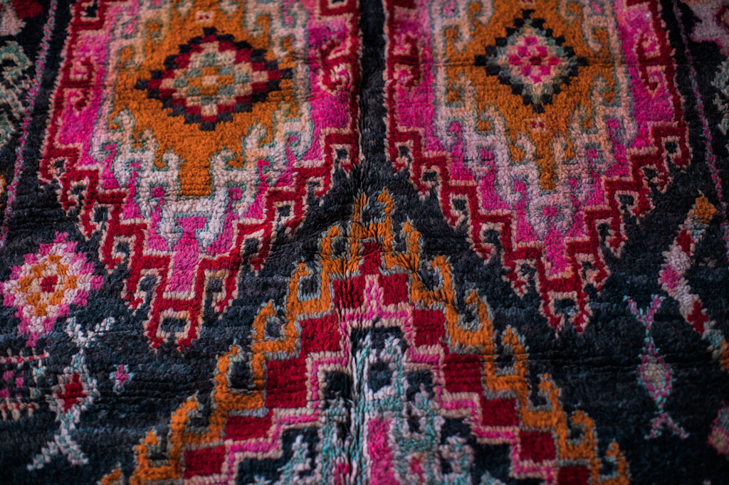 [SOLD] BLACK MAGIC vintage boujaad berber moroccan rug