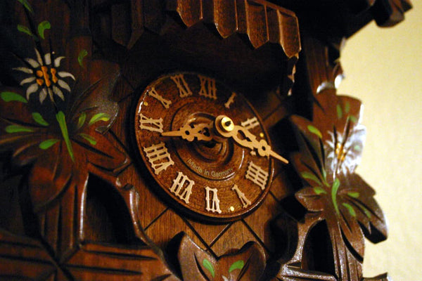 6 Tips for Buying an Authentic German Clock