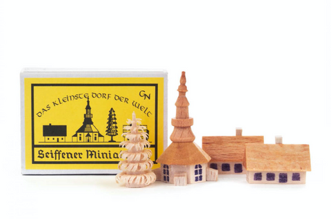 028/012 - Seiffen Village Matchbox