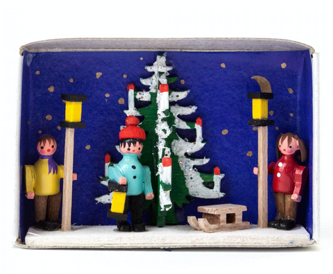 028/097 - Matchbox Scene: Advent