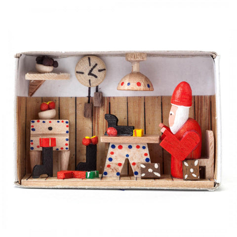 028/108 - Matchbox Scene: Santa's Workshop