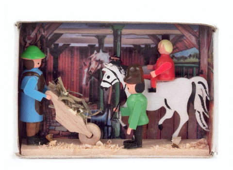 028/154 - Matchbox Scene: Stable