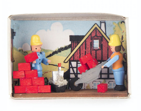 028/163 - Matchbox Scene: Brick Masons