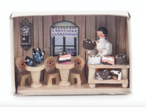 028/165 - Matchbox Scene: Confectioner's Shop
