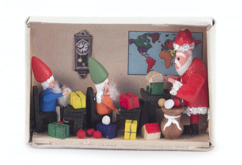 028/169 - Matchbox Scene: Santa Teaching Elves