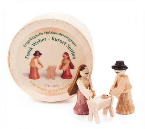 070/040 - Wooden Chip Box with Nativity Scene