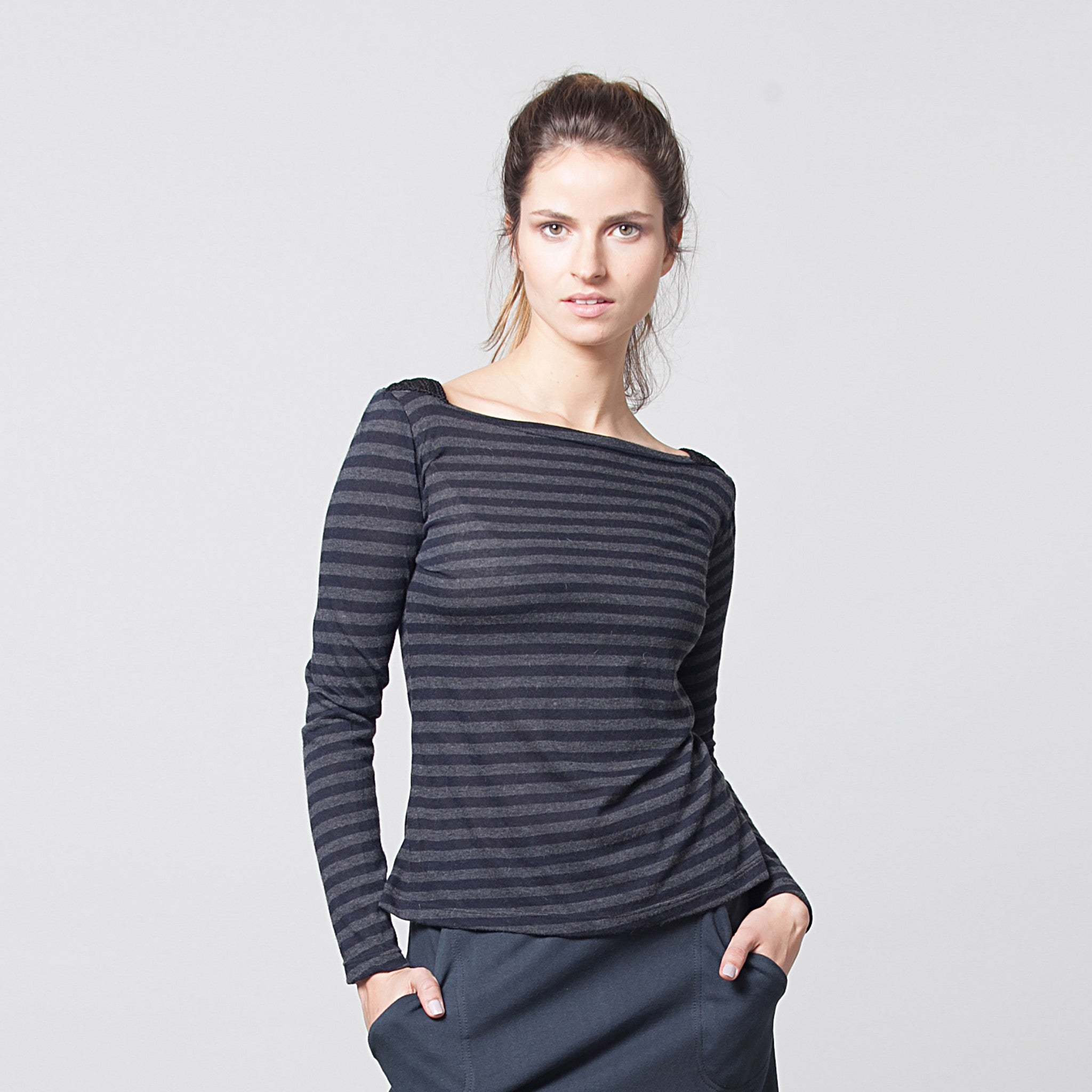 Boat neck cashmere stripes top - DuendeFashion  - 2
