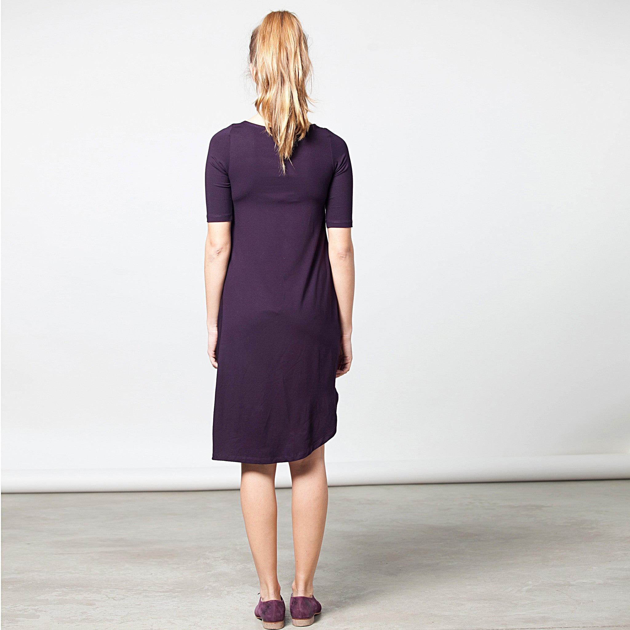 Sample sale- Half sleeve draped jersey dress size M color asparagus - DuendeFashion  - 2