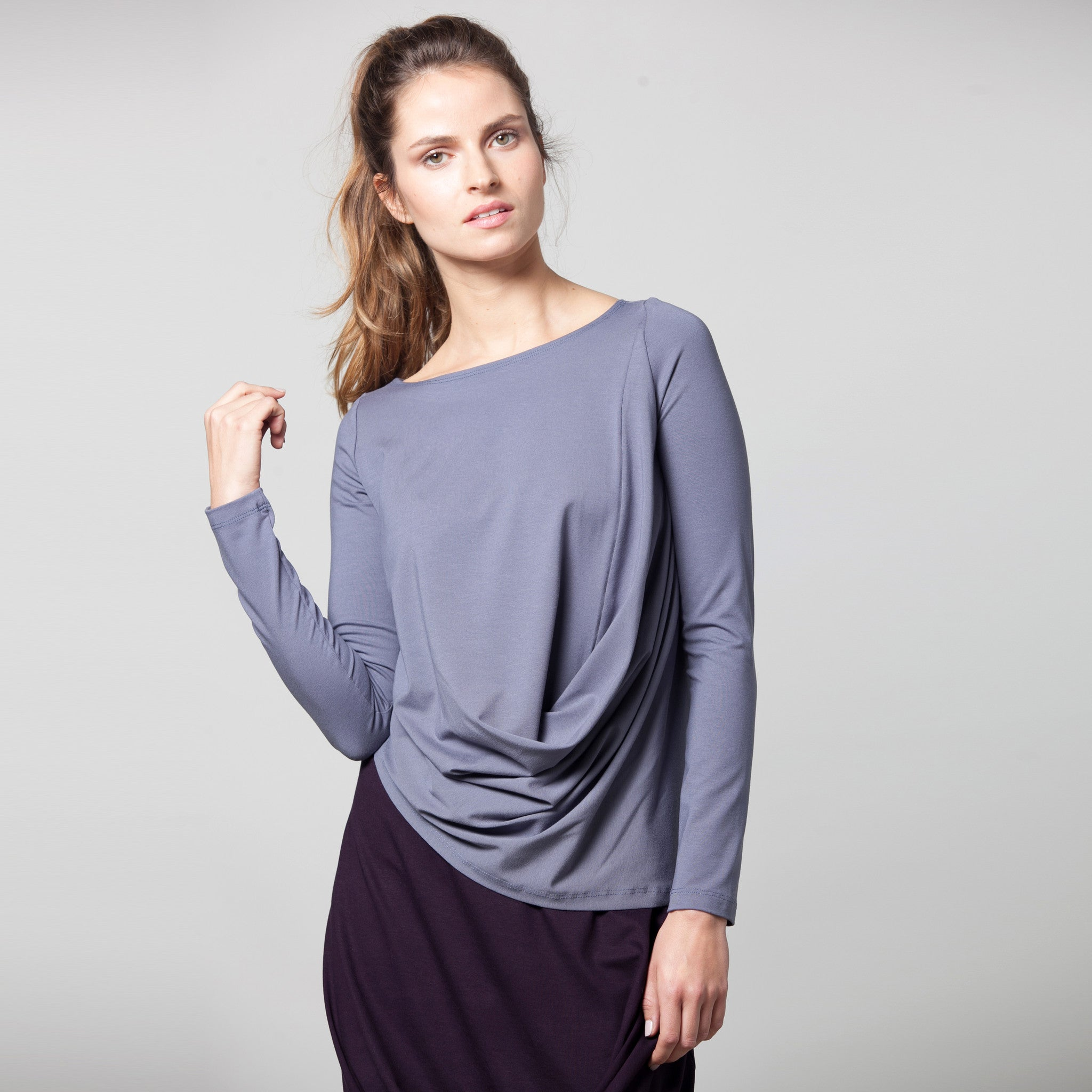 Sample sale- Long sleeve draped jersey top size S color light stone grey - DuendeFashion  - 3