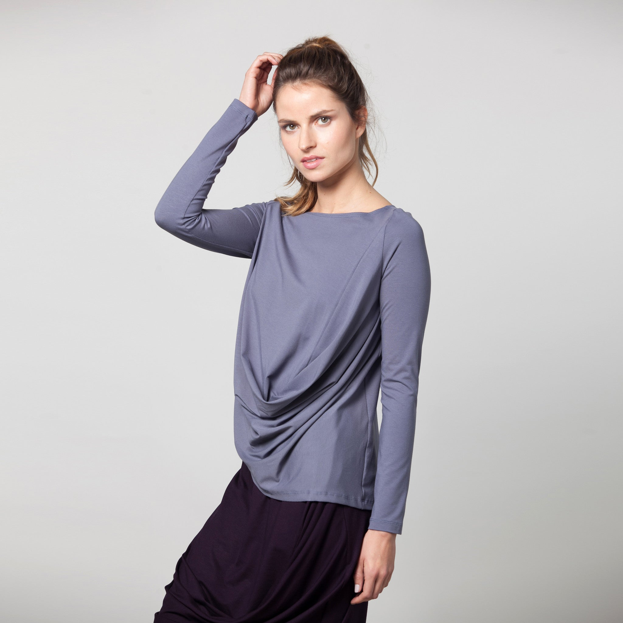 Sample sale- Long sleeve draped jersey top size S color light stone grey - DuendeFashion  - 4