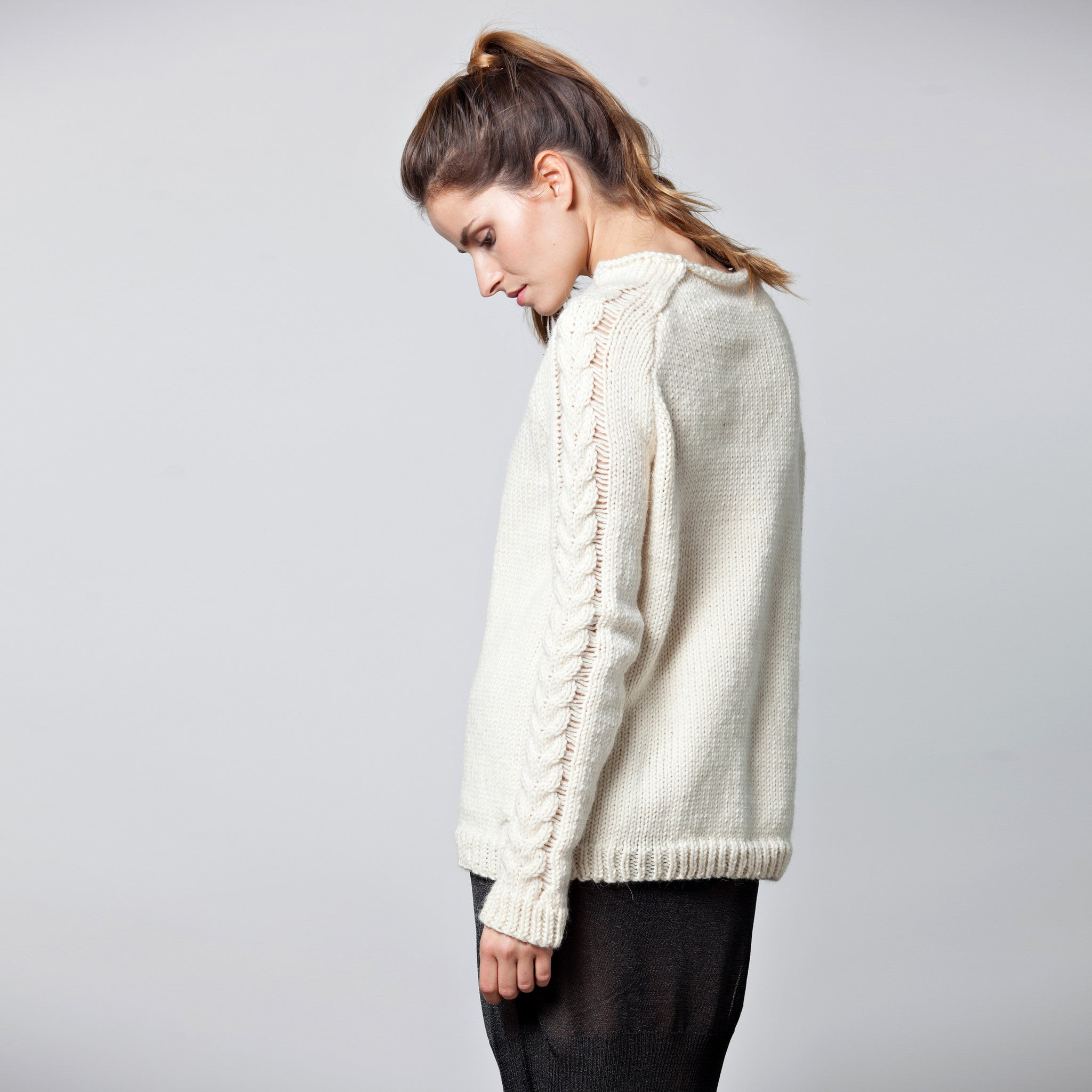 Raglan alpaca sweater - DuendeFashion  - 2