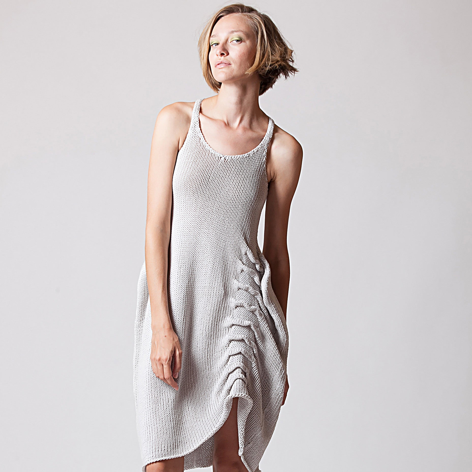 Asymmetric knitted cotton dress - DuendeFashion  - 2