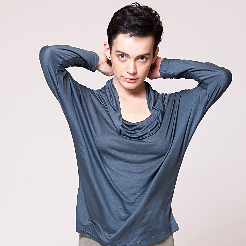 Batwing top in light weight jersey or cotton slub - DuendeFashion  - 1