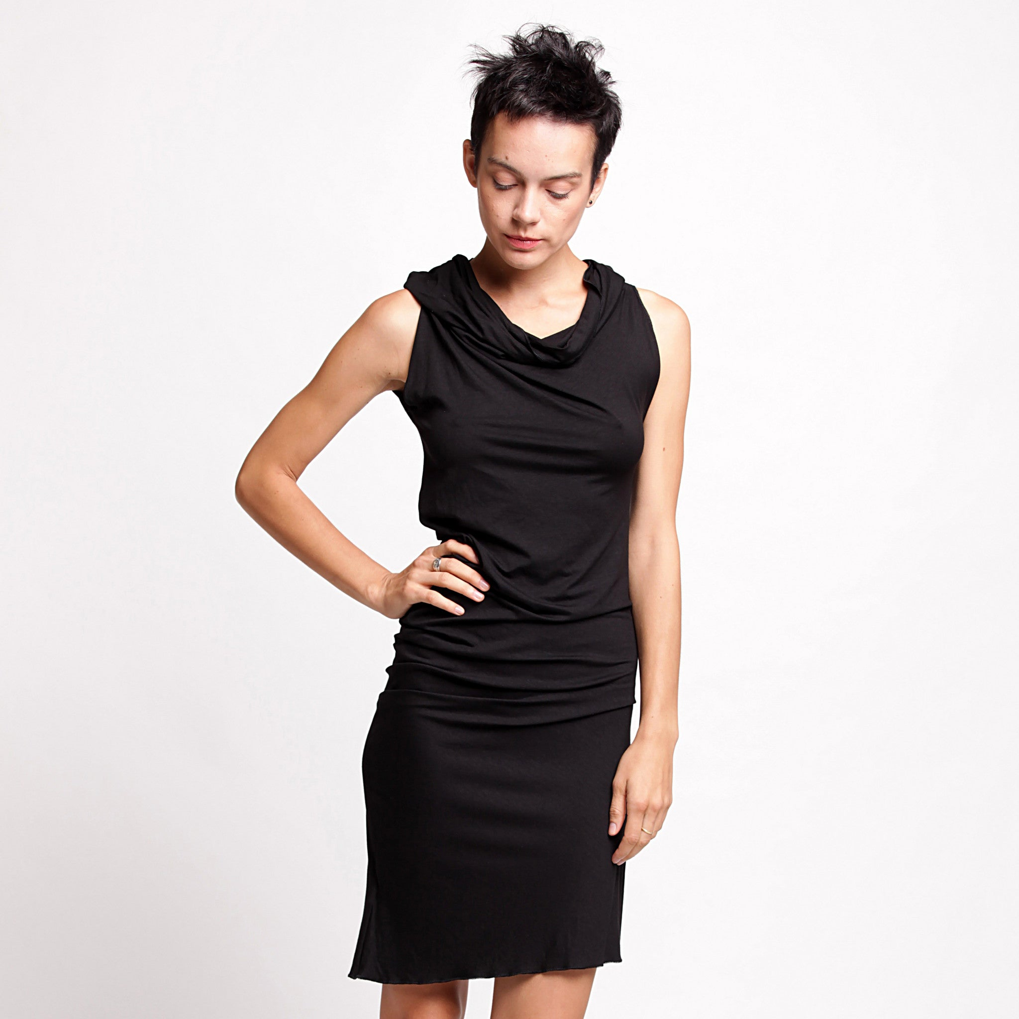 Black Twisted Tunic dress - DuendeFashion  - 2