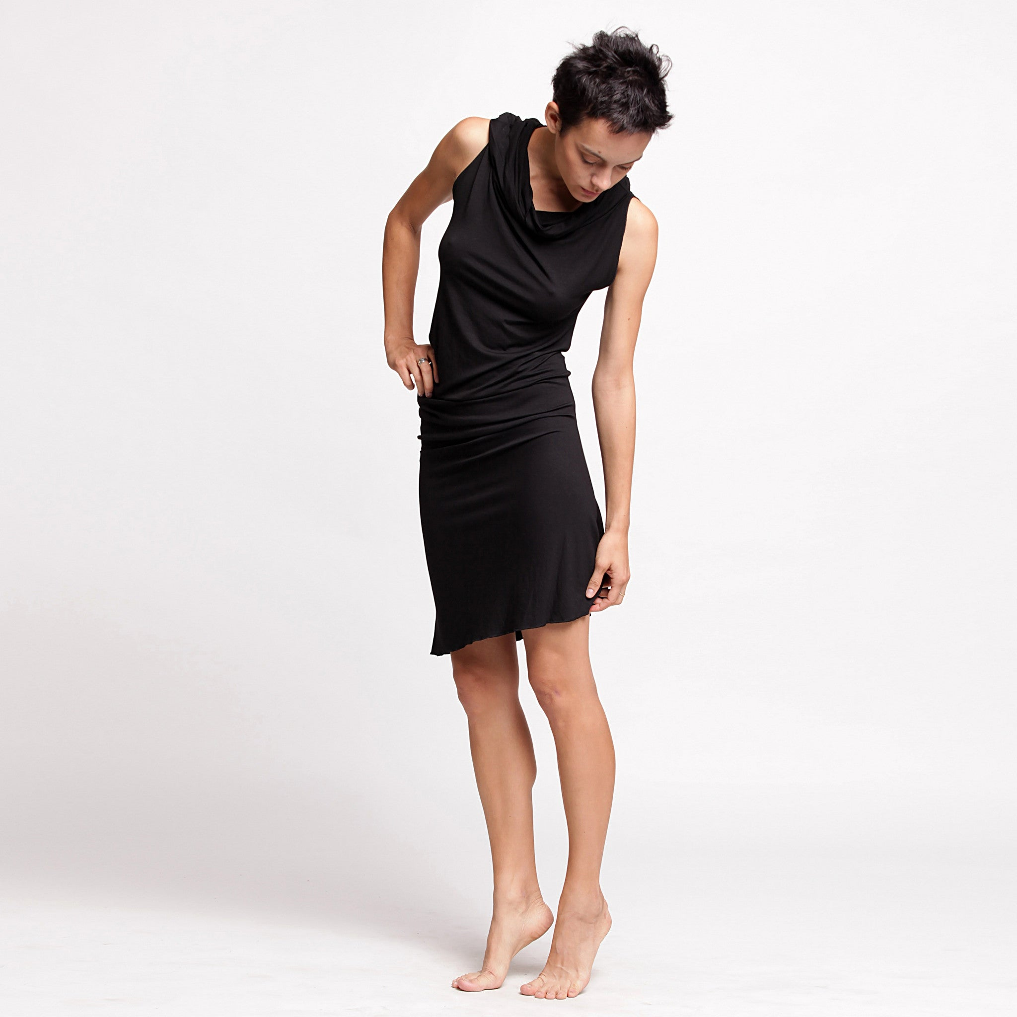 Black Twisted Tunic dress - DuendeFashion  - 4