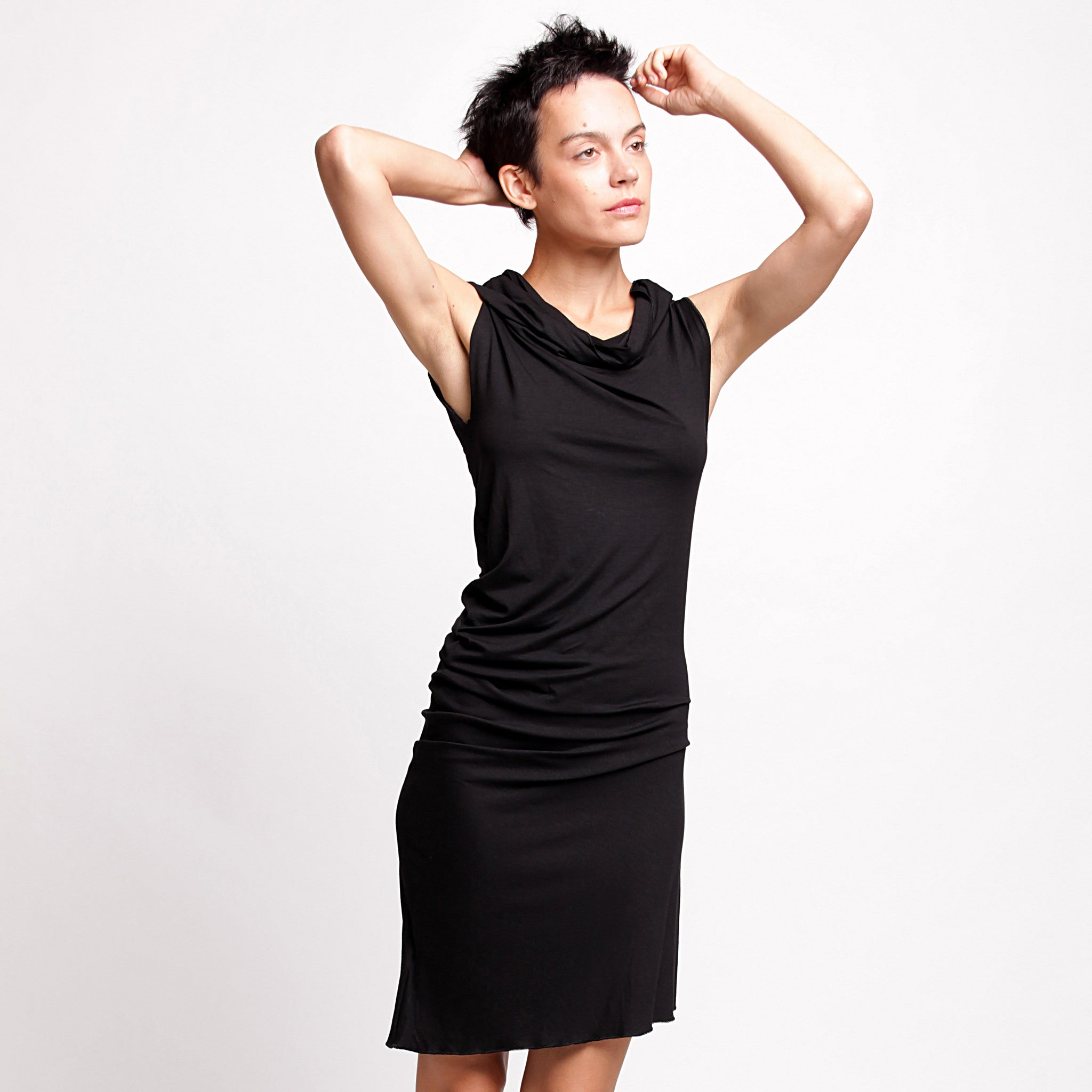 Black Twisted Tunic dress - DuendeFashion  - 5