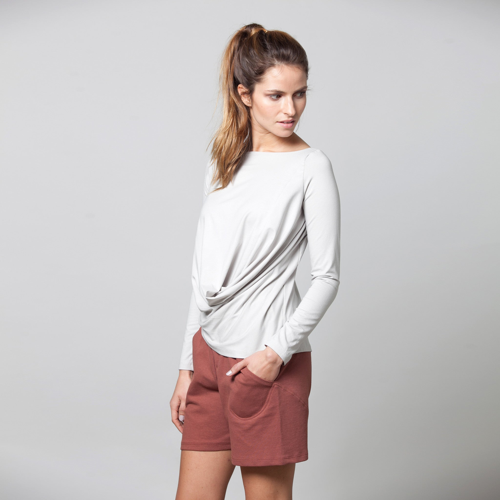 Sample sale- Long sleeve draped jersey top size S color light stone grey - DuendeFashion  - 2