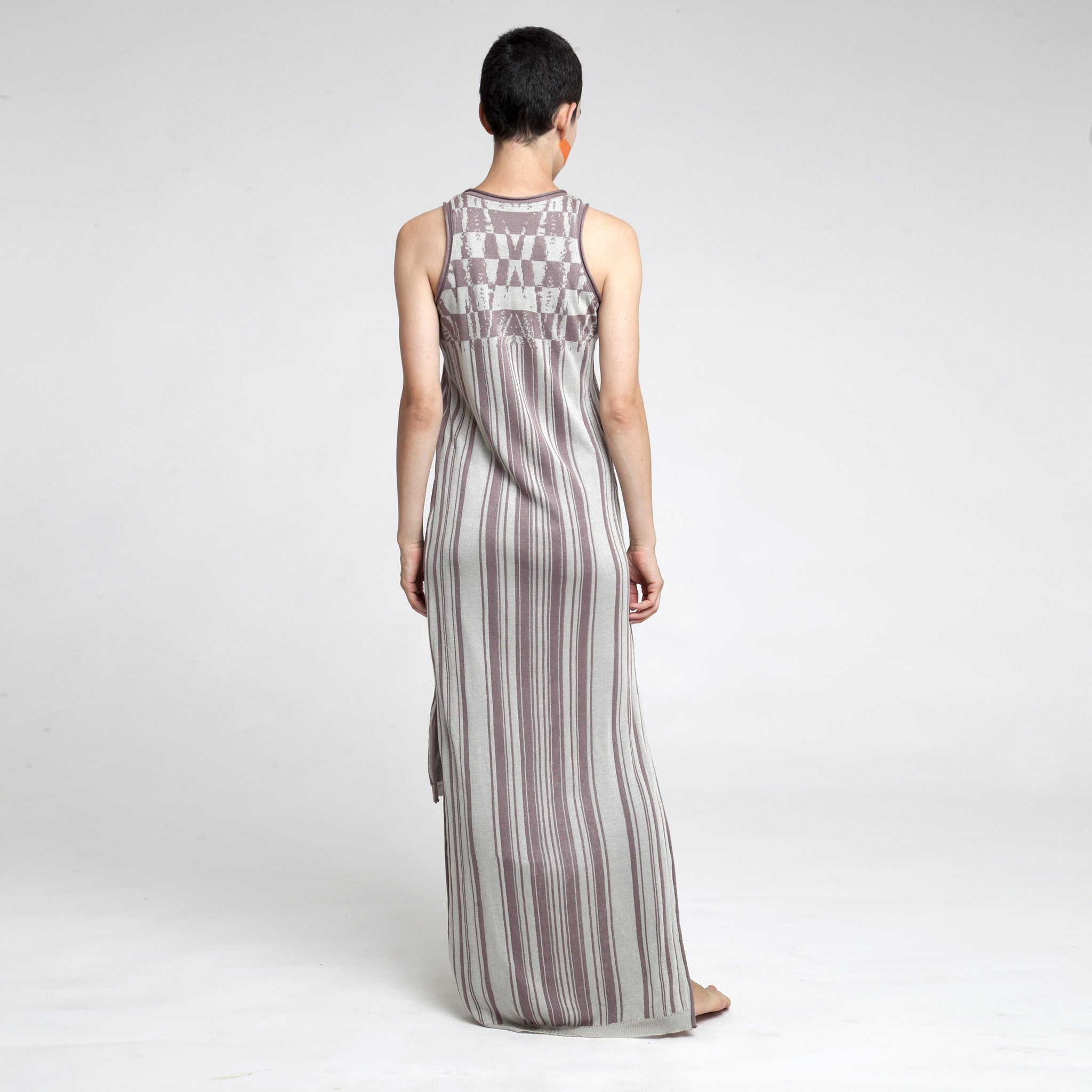 Sample Sale - Knitted jacquard Maxi dress in stone and black size S-M - DuendeFashion  - 4