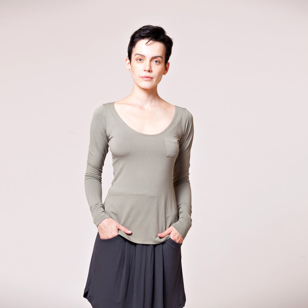 Sample Sale- Long sleeve scoop neck top in tobacco size M - DuendeFashion  - 1