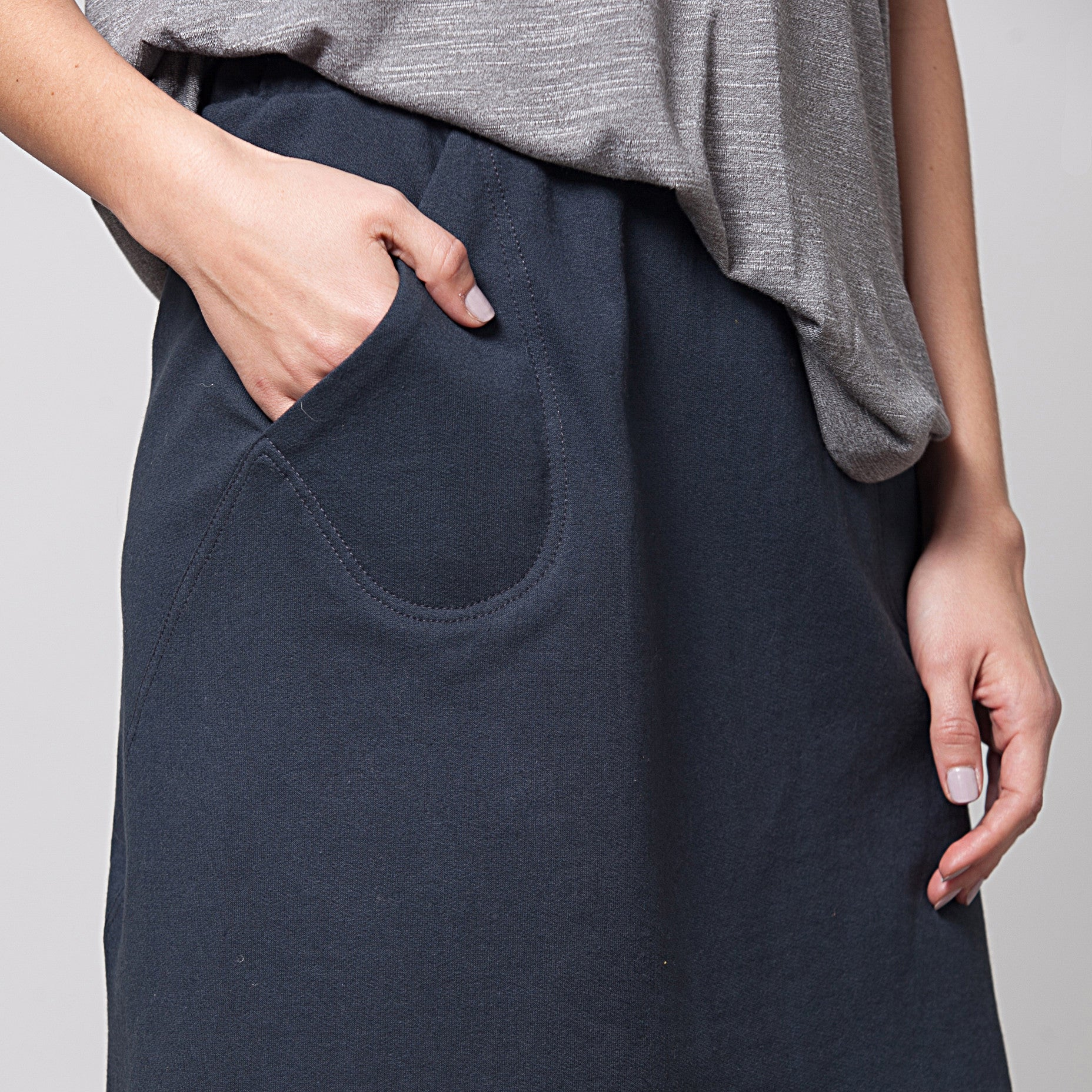 Sample sale- A-line skirt in french terry in S-M color navy - DuendeFashion  - 2