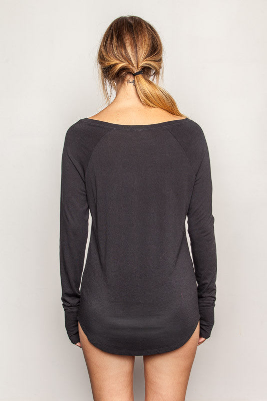 Black women's-bamboo-t shirt in slim fit raglan style back view