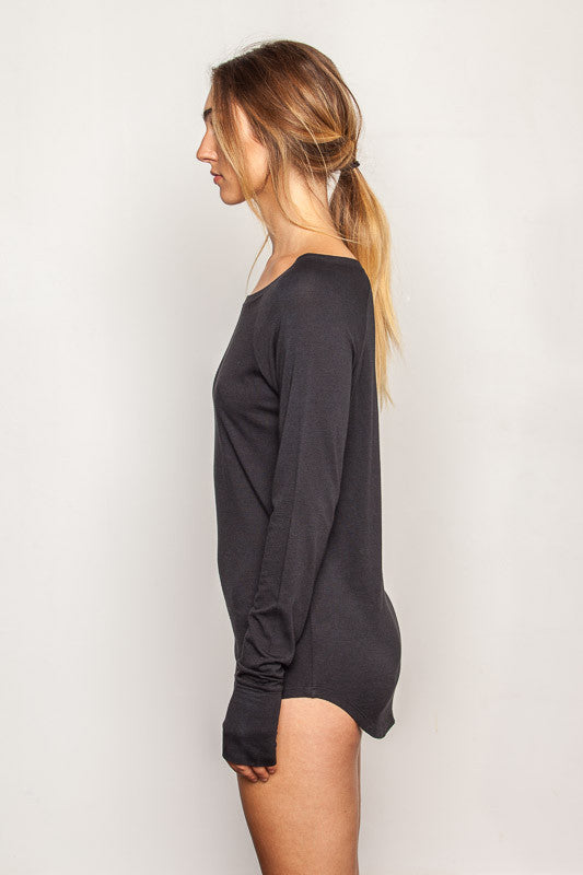 Black women's-bamboo-t shirt in slim fit raglan style side view