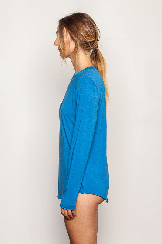 women's-bamboo-t shirts in relaxed boyfriend style Persian-Blue side view