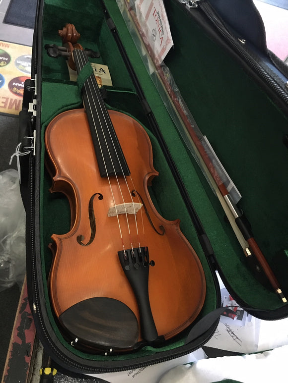Gliga III 3/4 violin with set up