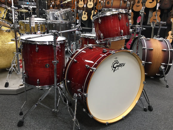 Gretsch Catalina Club Crimson Burst w/ hardware .