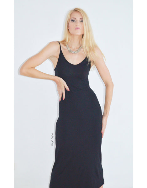 Model Off-Duty Dress in Black