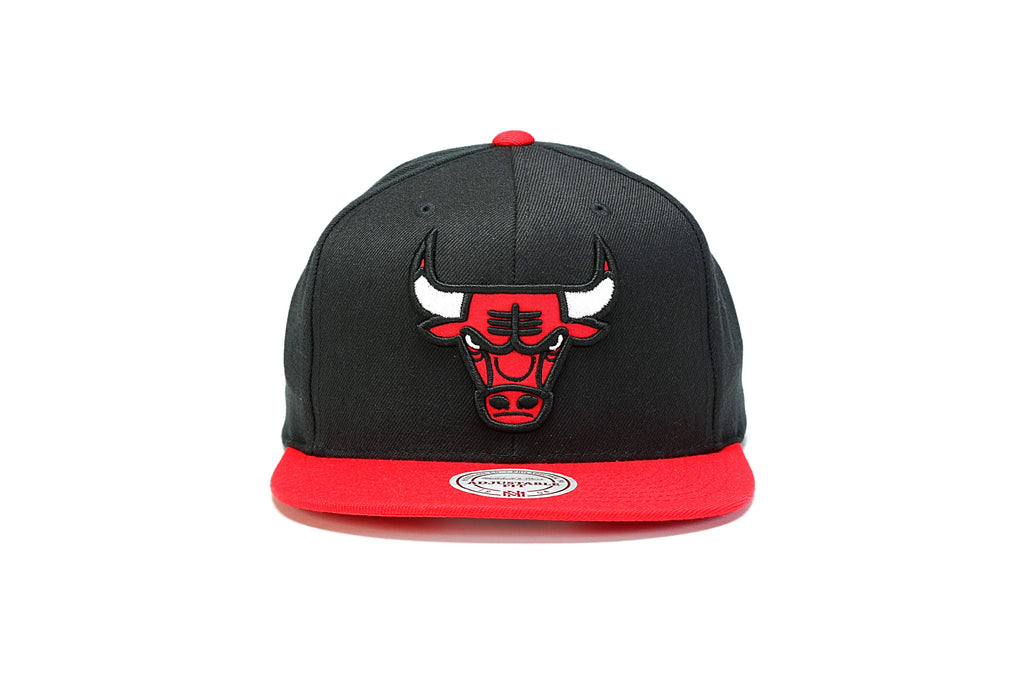 detailed look 1dc7d 39130 ... Fused Satin Snapback - (Chicago Bulls) Black Red ...