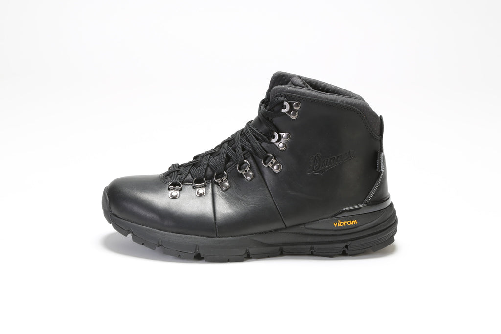 Mountain 600 Boots (D) - Carbon Black