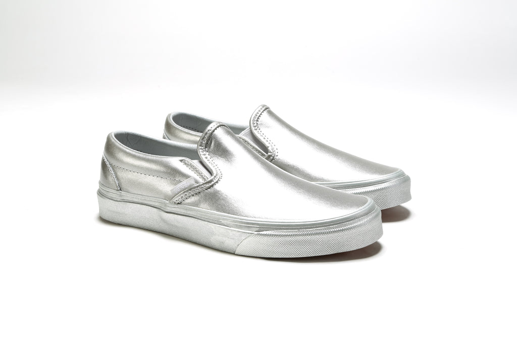 Classic Slip-On - (Metallic Sidewall) Silver