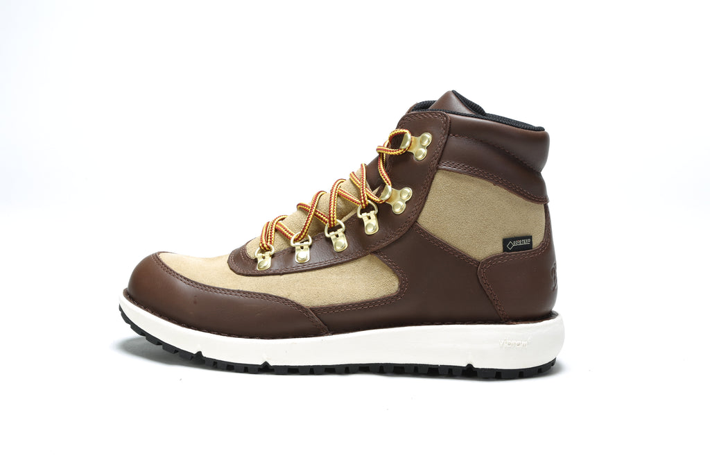 Feather Light 917 Boot (D) - Brown