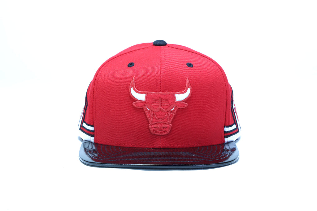 new styles 076d6 56ae6 ... Red Hook 11 Snapback - (Chicago Bulls) Red ...