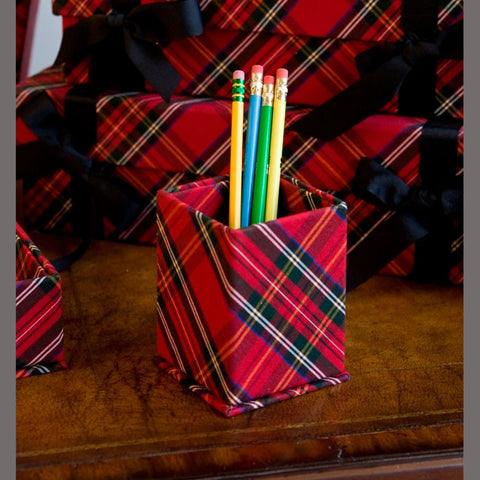 A10528 - Royal Stewart Tartan Desk Set