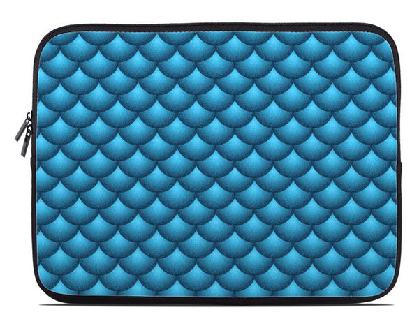 Fish Scales Print Laptop Cover in blue