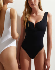 oyeswimwear-vera-one-piece-in-black