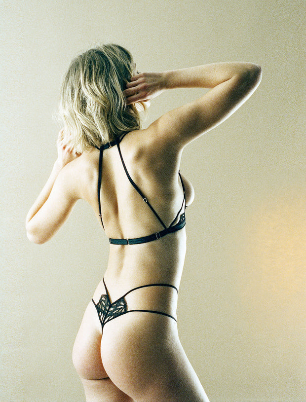 Tisja Damen Sphinx Thong in Black