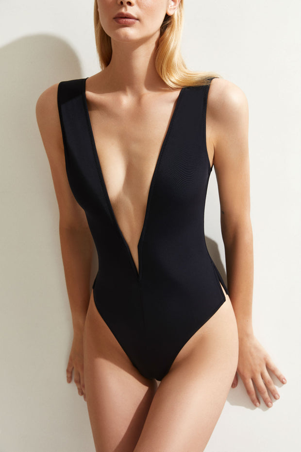 oyeswimwear-valentina-one-piece-in-black