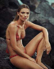 Waikoloa Stitched Bikini Bottom in Li Hing