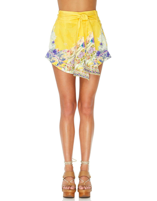 MELLOW MUSE TIE DETAIL HIGH CUT SHORTS