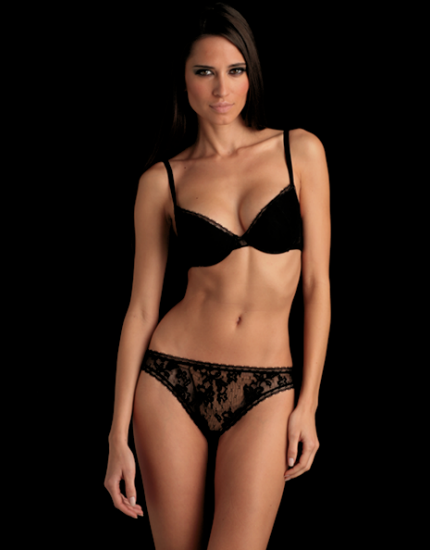 Pearl Plunge Lace Bra in Black