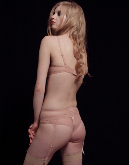 eres pink lace suspender belt