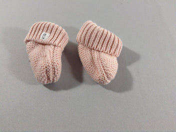 Chaussons naissance en maille rose