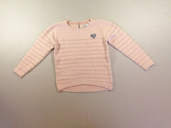 Pull duveteux rose rayé